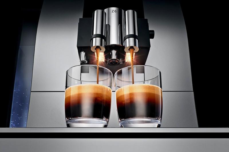 Jura-Z6-Espressomasin-kaks-kohvi