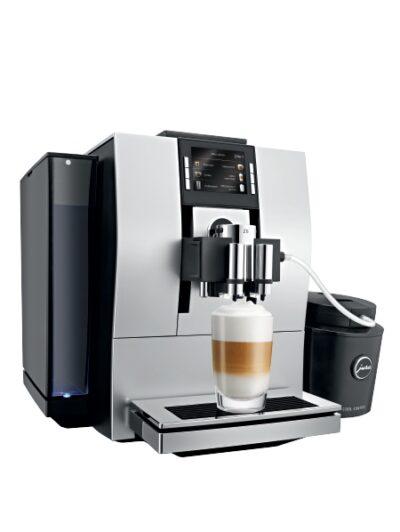 Jura-Z6-Espressomasin-piimajahutiga